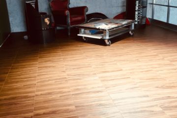 Boden-Parkettimitat im Showroom