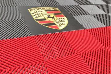 Boden mit Logo