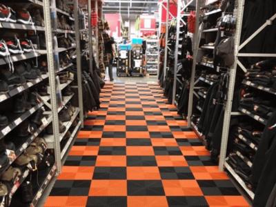Bodenplatten für Merchandising