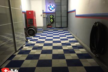 Garagenboden aus Pearl Silver und Royal Blue mit kariertem Muster