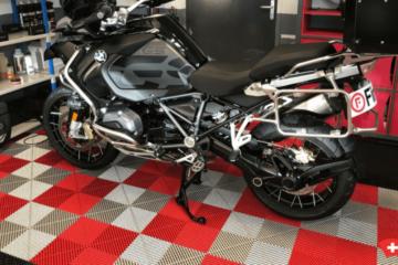 Motorrad-Garage-Platte