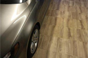 Platten-Boden-mit-Parkett-Effekt