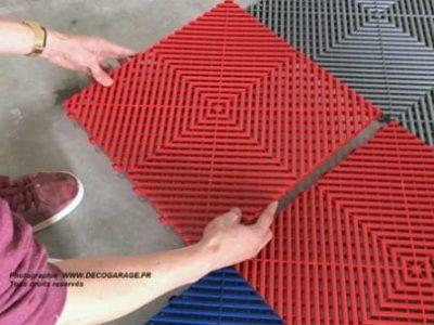 Ein Terrassenboden, der mit einem Click-System verlegt wurde